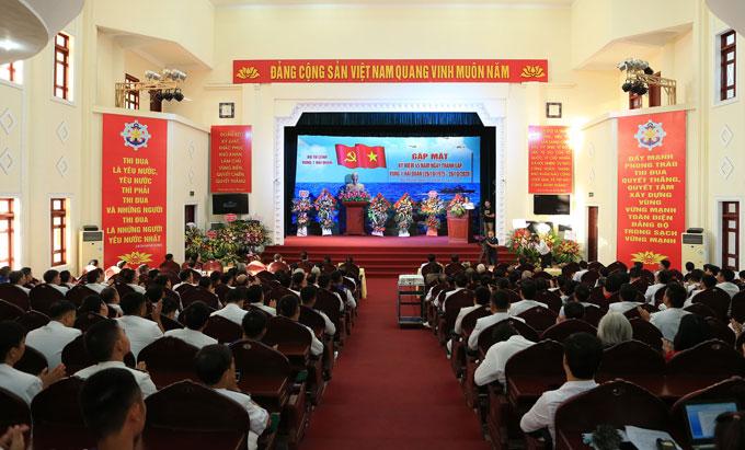 Quang cảnh buổi gặp mặt kỷ niệm 45 năm thành lập Vùng 1 Hải quân