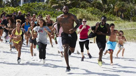 LeBron James không tiếc tiền để thửa riêng chế độ ăn uống, luyện tập… cùng một lối sống lành mạnh