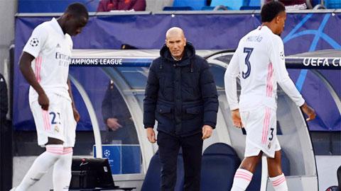 Zidane và những vòng quay lỗi nhịp