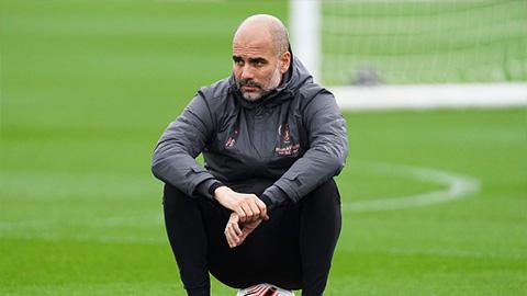 Vừa ổn định đội hình Man City, HLV Guardiola nhận ngay ''trái đắng''