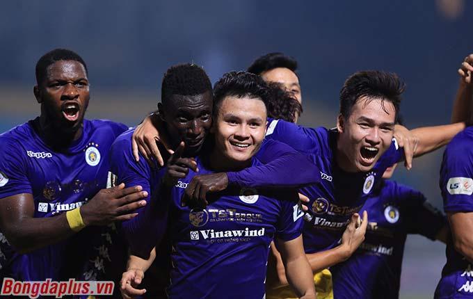 Quang Hải tỏa sáng ở thời điểm Hà Nội FC cần anh nhất - Ảnh: Đức Cường