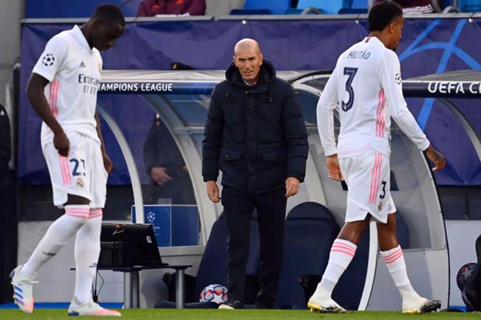 Zidane có tại vị kể cả khi Real thua Barca?