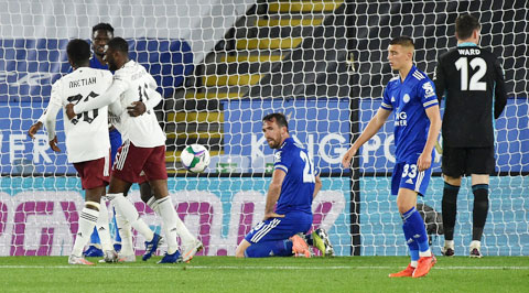Leicester thua tới 6/7 lần gần nhất hành quân tới làm khách của Arsenal