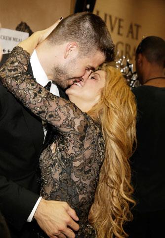 Kể cả đến bây giờ Pique vẫn không nổi bằng Shakira