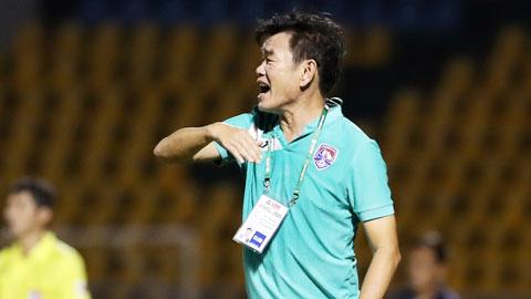 HLV Phan Thanh Hùng: 'Cơ hội vô địch V.League vẫn chia đều cho các đội'