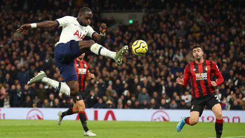 Tottenham (áo trắng) sẽ nối dài mạch trận thăng hoa sân khách bằng cách đả bại Burnley