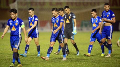 Đua trụ hạng V.League: Quảng Nam FC phó mặc cho... ông trời