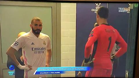 Benzema bị bắt quả tang nói xấu sau lưng đồng đội Vinicius
