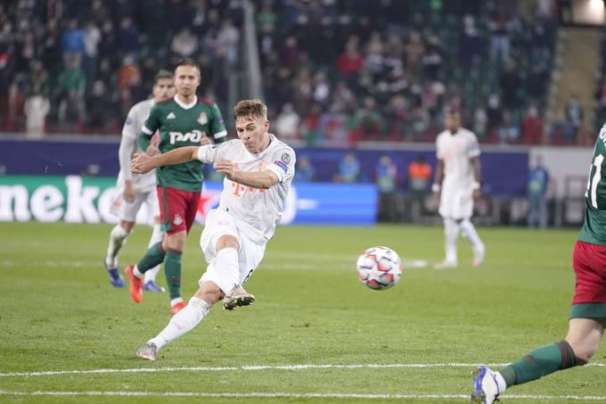 Bàn thắng đẳng cấp của Kimmich đã giúp Bayern ra về với 3 điểm