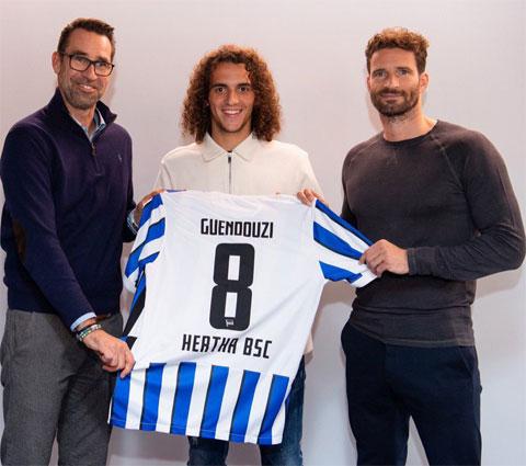 Guendouzi trong ngày ra mắt CLB Hertha Berlin