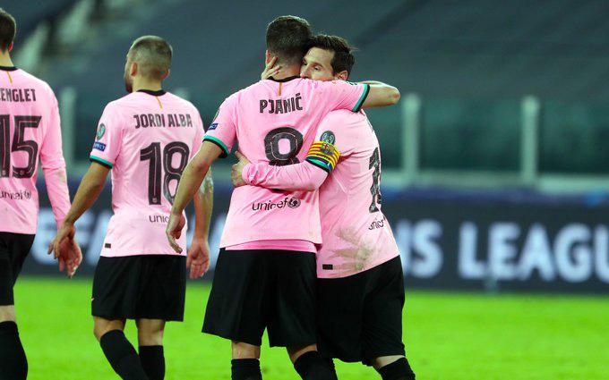 Pjanic có một trận đấu xuất sắc khi gặp lại đội bóng cũ