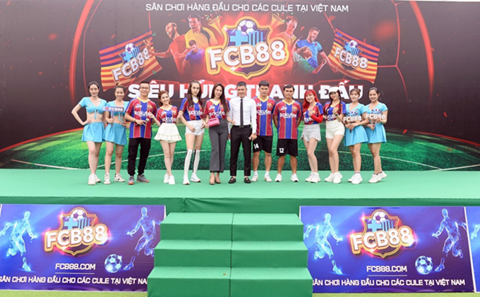 Thuỷ Tiên, Công Vinh cùng nhiều sao Việt trong giải bóng Siêu hùng tranh đấu do FCB88 tổ chức