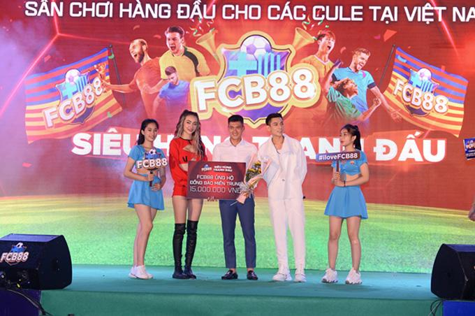 FCB88 ủng hộ đồng bào miền Trung đang gặp khó khăn