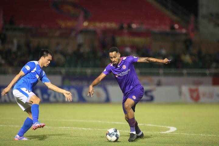 Pedro ghi bàn mở tỷ số cho Sài Gòn FC từ sớm - Ảnh: Phạm Đình