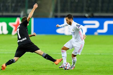 Hazard (phải) trở lại sẽ giúp Real có nhiều phương án tấn công