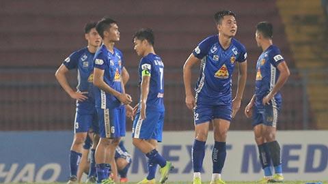 Quang Nam vô địch và xuống hạng đều vì lý do khó tin