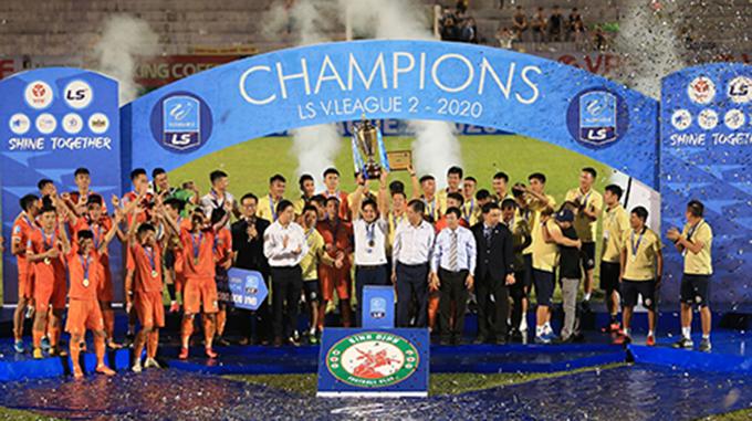 Xin chúc mừng niềm vui của Bình Định sau một mùa giải trải qua nhiều cung bậc cảm xúc để rồi vô địch xứng đáng