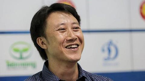 Rớt hạng V.League, ông Nguyễn Thành Công vẫn là HLV số 1 của giải