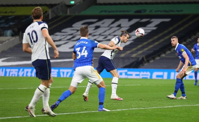 Bale ấn định tỷ số 2-1 ở phút 73