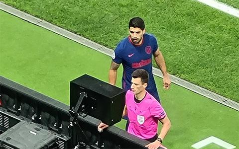 Tình huống hài hước của Suarez