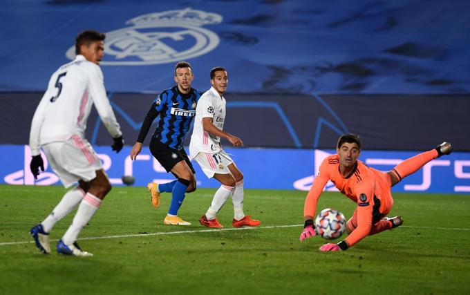 Perisic gỡ hòa 2-2 cho Inter ở phút 68