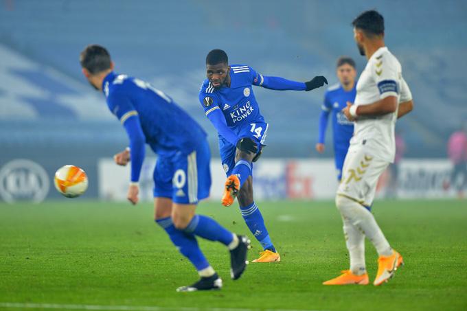 Iheanacho góp công ở 3 bàn thắng của Leicester