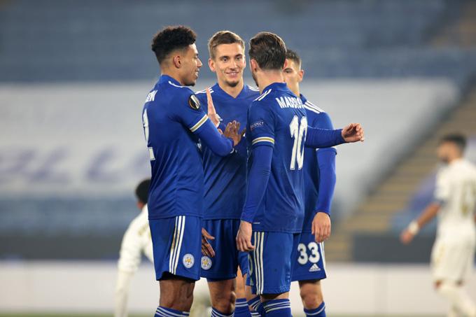 Leicester nghiền nát Braga để độc chiếm ngôi đầu