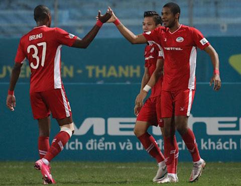 Cặp đôi tiền đạo Bruno và Caique đã ghi được 13 bàn thắng, trở thành bệ phóng giúp Viettel băng băng về đích - Ảnh: Đức Cường