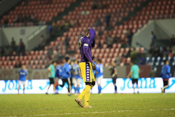 Không thể vượt qua Viettel, Hà Nội FC đã bỏ lỡ cơ hội trở thành đội bóng đầu tiên vô địch V.League 3 mùa liên tiếp - Ảnh Phan Tùng