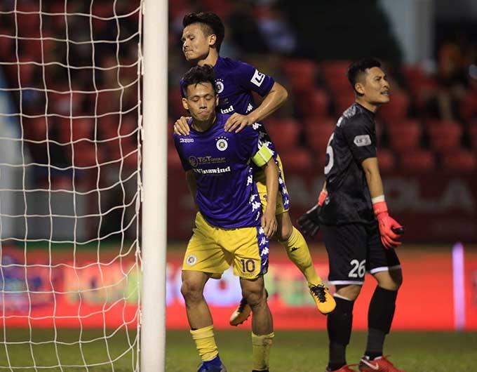 Dù thắng đậm Than.QN 4-0 ở vòng cuối V.League 2020 nhưng Hà Nội FC vẫn phải chấp nhận làm cựu vương bởi Viettel đã giành 3 điểm trước Sài Gòn FC