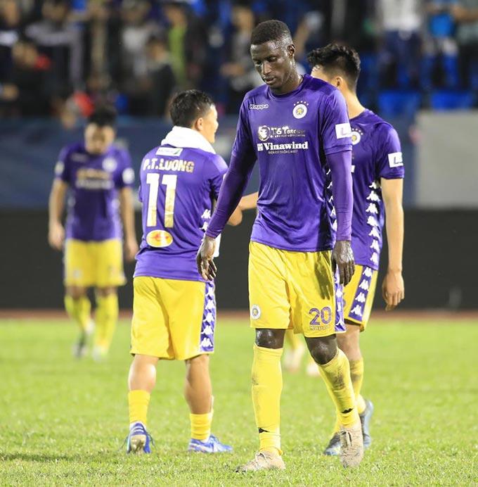 Hà Nội FC gặp nhiều khó khăn ở giai đoạn đầu mùa giải - Ảnh: Phan Tùng