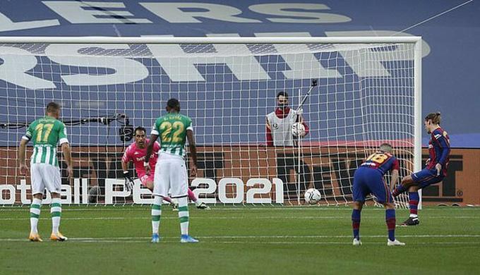 Griezmann thi đấu cực tệ ở trận đấu với Betis và thậm chí còn bỏ lỡ một quả 11m
