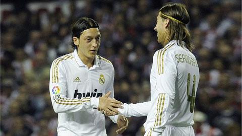 Mesut Oezil - Sergio Ramos: Cặp tri kỷ hiếm có của bóng đá thế giới