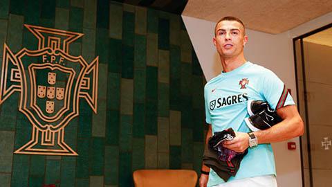 PSG công khai muốn tạo ra hàng công siêu khủng với Ronaldo - Neymar - Mbappe