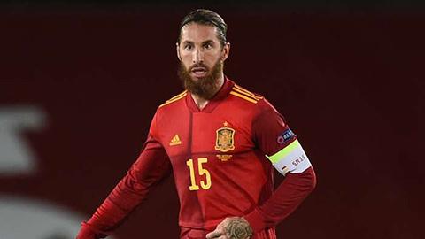 Ramos cân bằng kỷ lục của Buffon, được Enrique khen nức nở