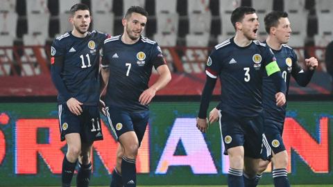 Xác định danh tính 4 đội bóng cuối cùng dự EURO 2020