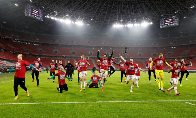 Hungary ngược dòng giành chiến thắng để góp mặt ở EURO 2020