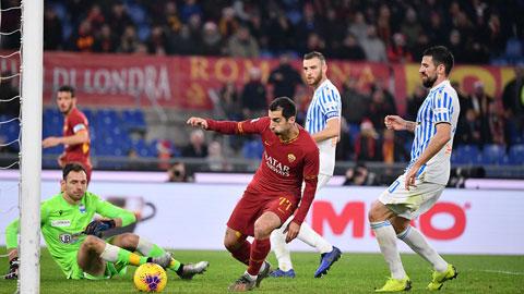 Hàng công Roma cứu ghế Fonseca