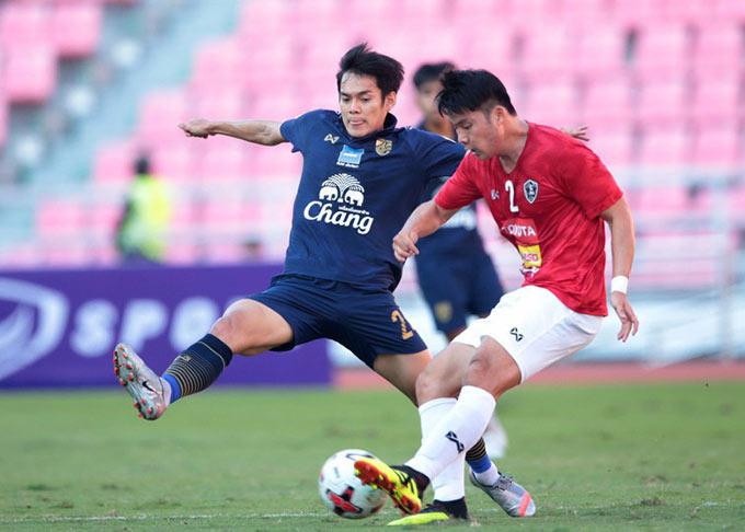 Thái Lan bị Các ngôi sao Thai League cầm hoà 2-2