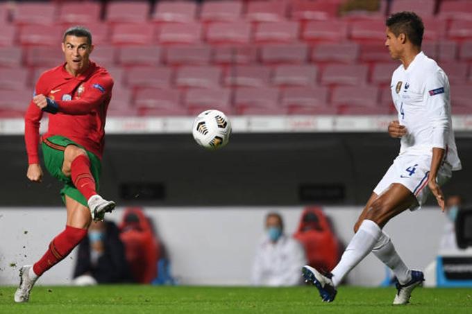 Ronaldo có một trận đấu vô duyên với nhiều cơ hội bị Lloris cản phá