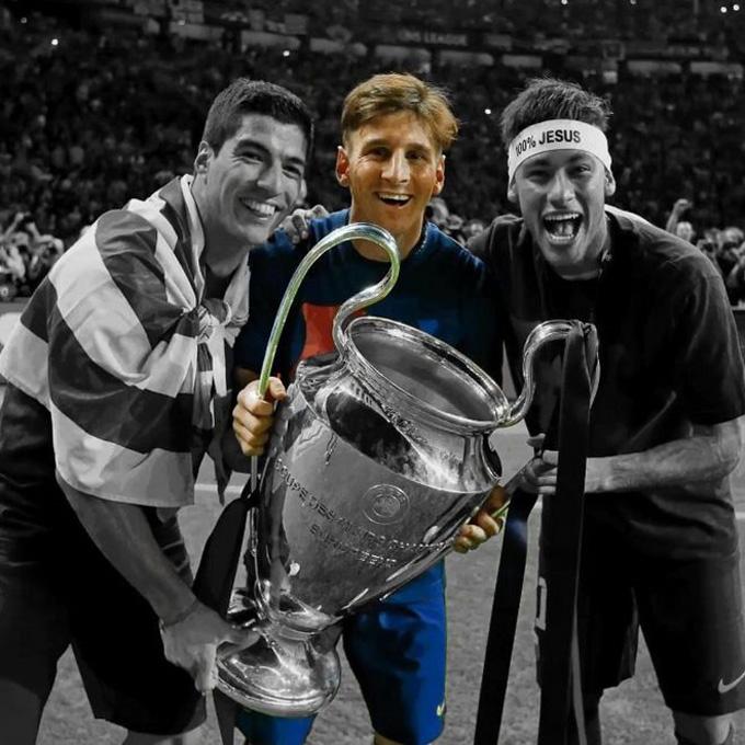 Suarez và Neymar lần lượt rời Barca để lại mình Messi cô độc