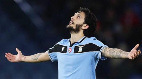 Juve sẽ bán Dybala (ảnh lớn) và đưa Alberto về thay thế