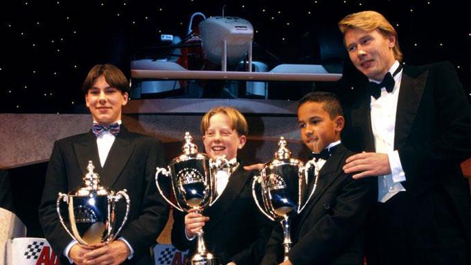 Năm 8 tuổi, Hamilton đã có được chiến thắng đầu tiên với tư cách một tay đua xe go-kart