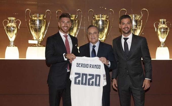 Chủ tịch Perez từng phải ngậm bồ hòn khi gia hạn với Ramos năm 2015