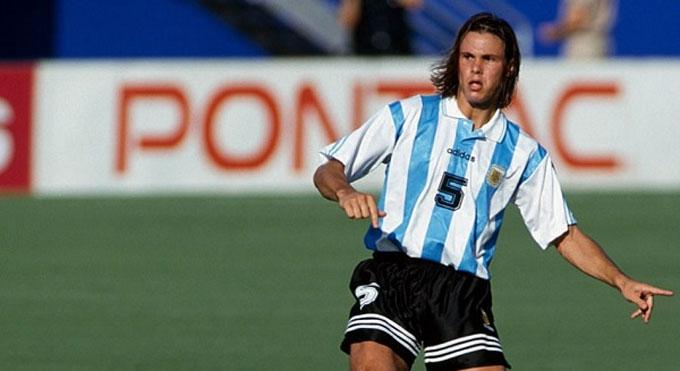"""Redondo là hình mẫu đẹp cho vị trí """"số 5"""" của người Argentina"""