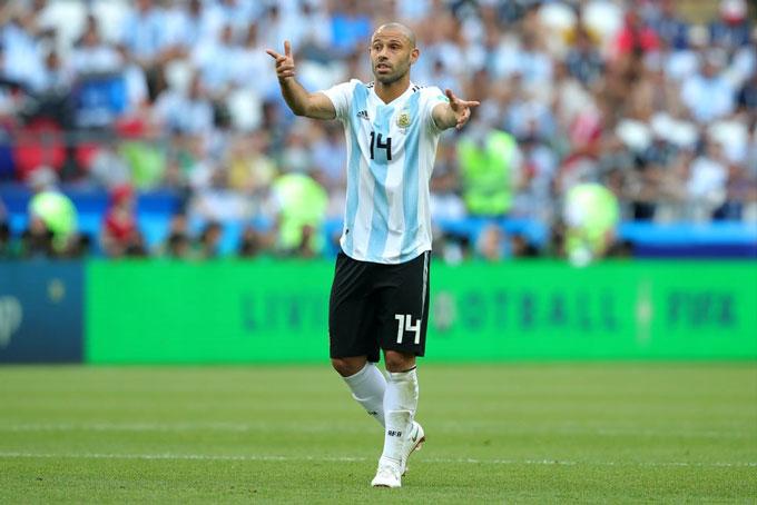 Mascherano là chiến binh thầm lặng bên cạnh Messi