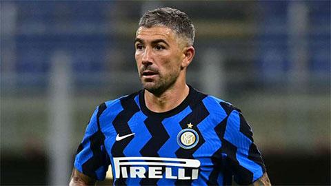 Kolarov báo tin buồn cho Inter