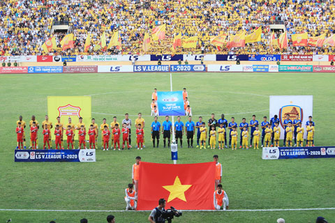 Dù đại dịch hoành hành, V.League 2020 vẫn kết thúc trong an toàn với chức vô địch thuộc về Viettel - Ảnh: QUỐC AN