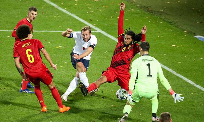 Kane một mình vùng vẫy trước hàng thủ Bỉ