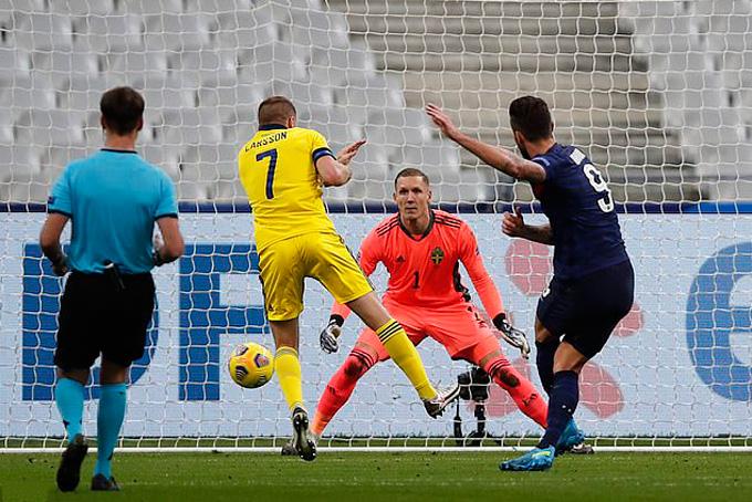 Giroud lập cú đúp đưa Pháp vượt lên dẫn ngược lại 3-1